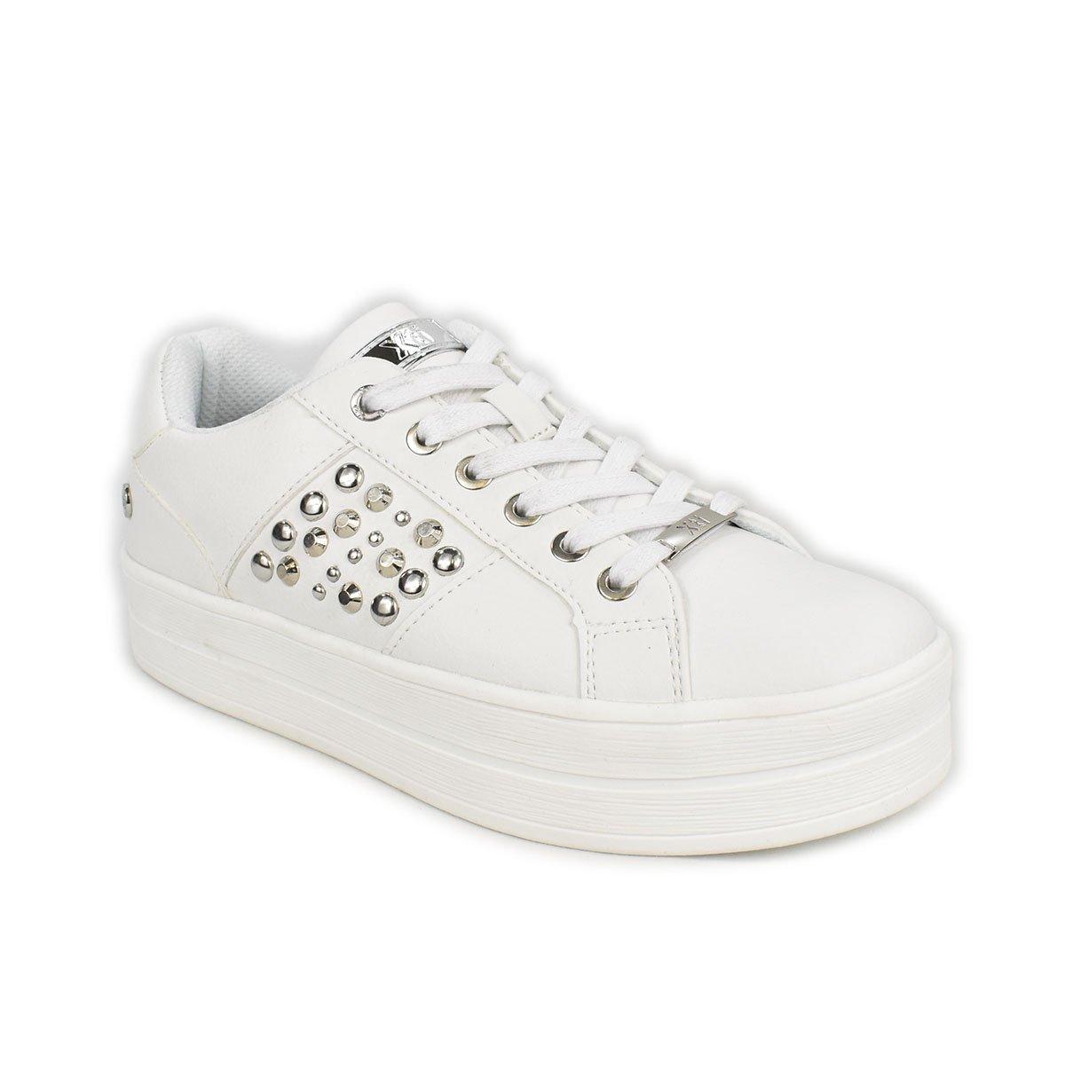 Sneakers bianca con borchie e suola a zeppa - XTI 44546