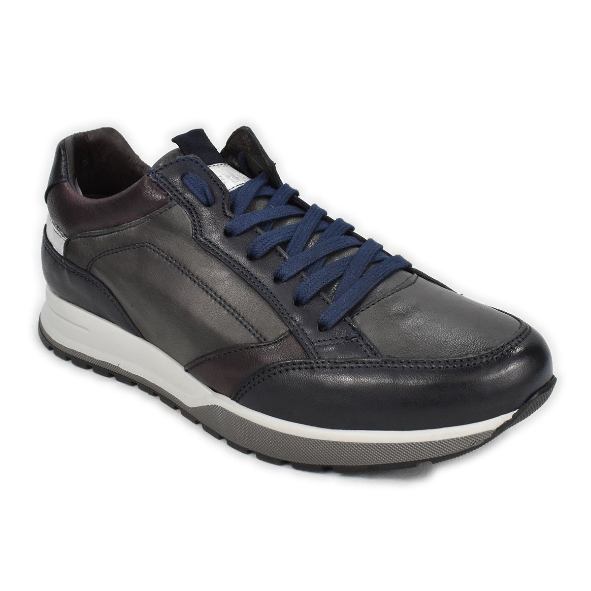 Sneakers in pelle grigia con dettagli blu e rossi - CafèNoir FPD231